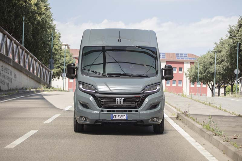 Foto Exteriores Fiat Ducato Comercial 2021