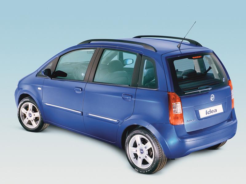 Foto Trasero Fiat Idea Monovolumen 2006