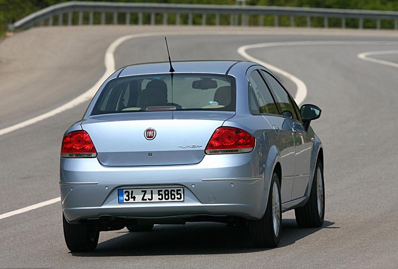 Foto Exteriores Fiat Linea Sedan 2007