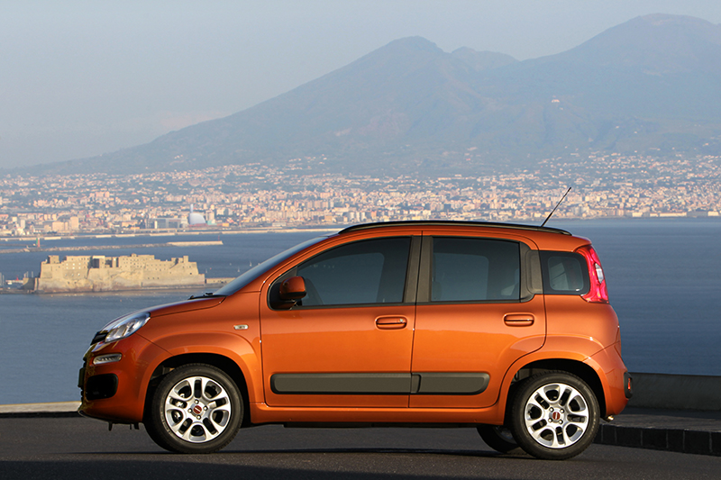 Foto Perfil Fiat Panda Dos Volumenes 2012