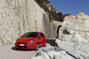 Foto Exteriores 04 Fiat Punto Dos Volumenes 2012