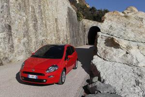 Foto Exteriores 05 Fiat Punto Dos Volumenes 2012