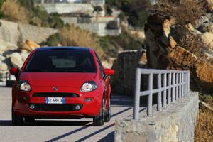 Foto Exteriores 06 Fiat Punto Dos Volumenes 2012