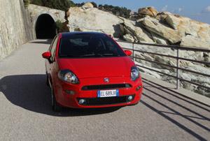 Foto Exteriores 07 Fiat Punto Dos Volumenes 2012