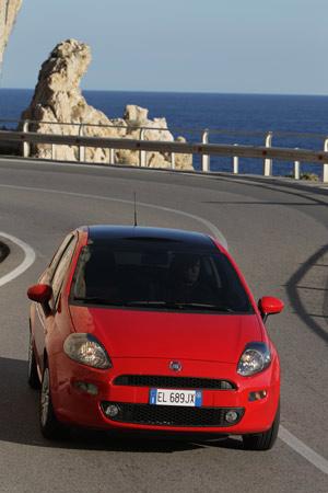 Foto Exteriores 08 Fiat Punto Dos Volumenes 2012