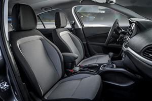 Foto Interiores Fiat Tipo Sedan 2016