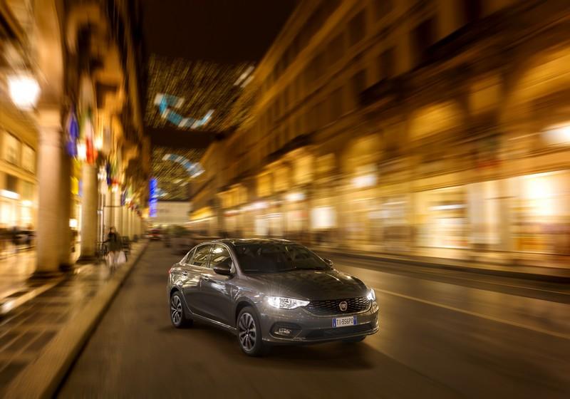 Foto Exteriores Fiat Tipo Sedan 2016