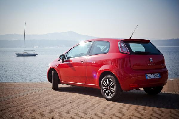 Fiat Punto en el Lago Viverone