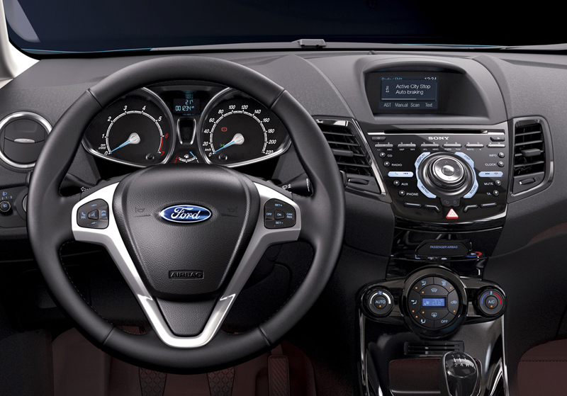 Foto Salpicadero Ford Fiesta Dos Volumenes 2012
