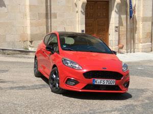 Foto Exteriores 31 Ford Fiesta Dos Volumenes 2017
