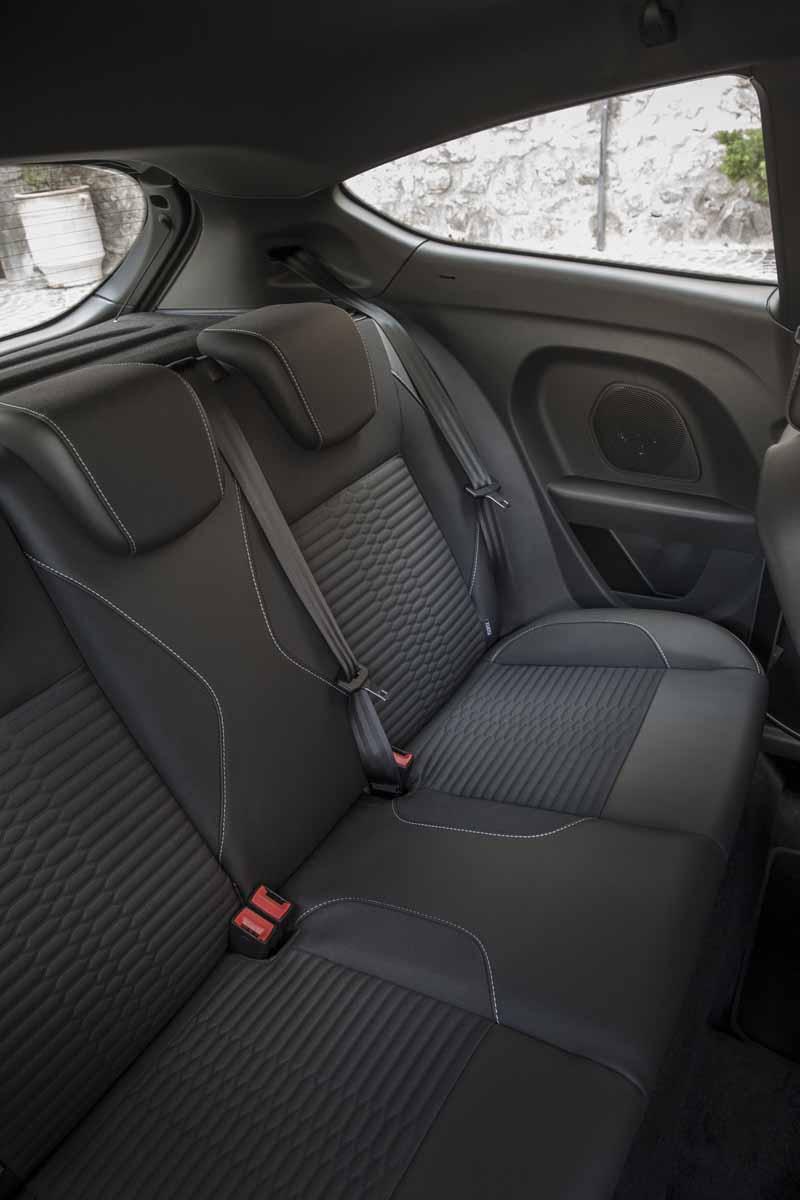 Foto Interiores Ford Fiesta St 200 Dos Volumenes 2016