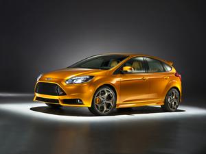 Foto Exteriores-(12) Ford Focus Dos Volumenes 2011