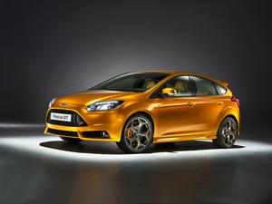 Foto Exteriores-(13) Ford Focus Dos Volumenes 2011