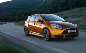 Foto Exteriores-(8) Ford Focus Dos Volumenes 2011