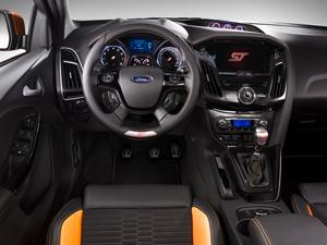 Foto Interiores-(2) Ford Focus Dos Volumenes 2011