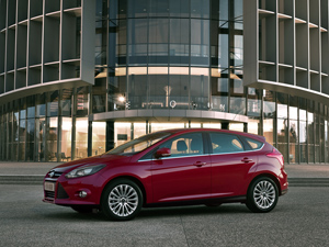 Foto Lateral Ford Focus Dos Volumenes 2011
