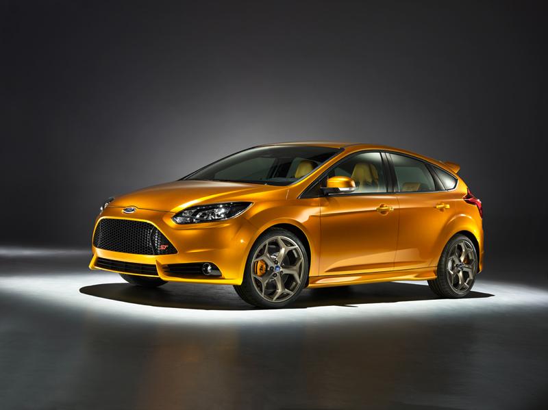 Foto Exteriores-(11) Ford Focus Dos Volumenes 2011