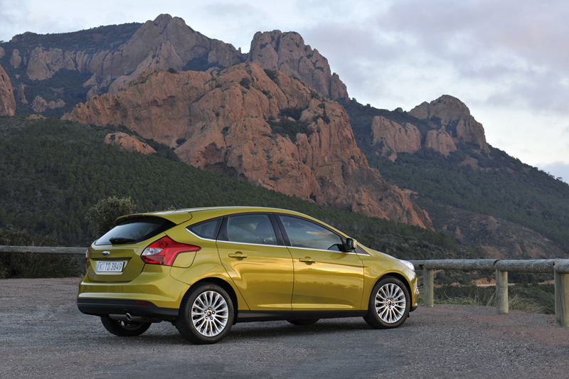 Foto Perfil Ford Focus Dos Volumenes 2011