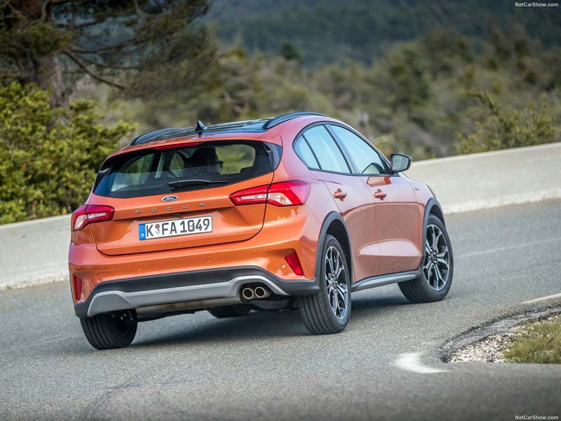 Foto Trasera Ford Focus Active Dos Volumenes 2018