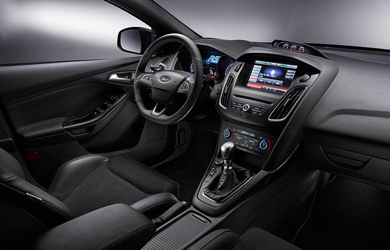 Foto Interiores Ford Focus Rs Dos Volumenes 2015