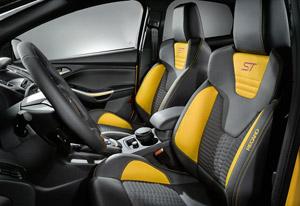 Foto Interiores  Ford Focus-st Dos Volumenes 2011