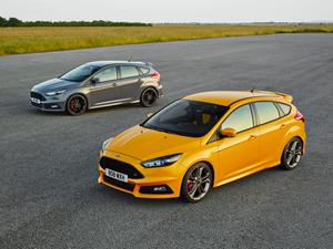 Foto Exteriores (2) Ford Focus-st Dos Volumenes 2014