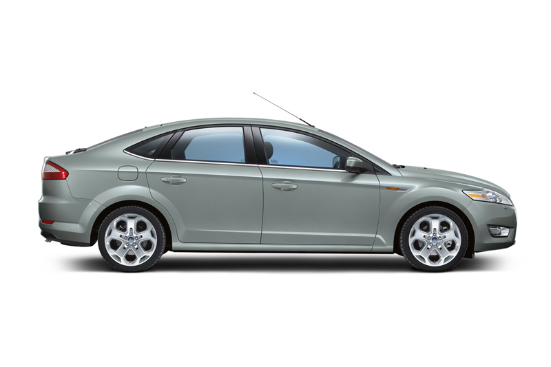 Foto Lateral Ford Mondeo Dos Volumenes 2007