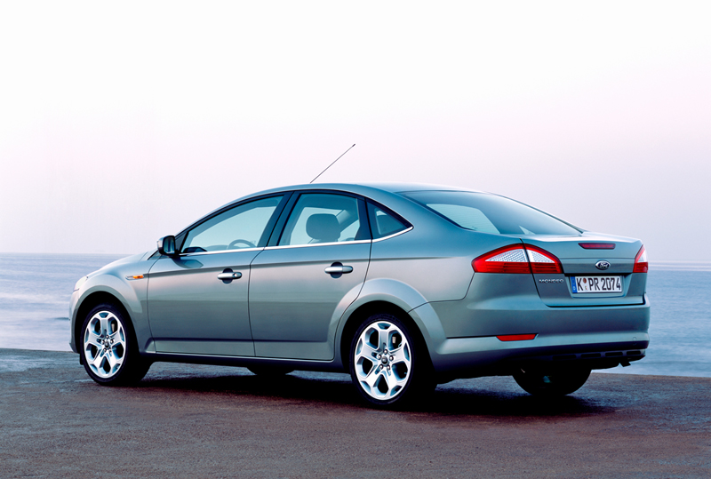 Foto Lateral Ford Mondeo Dos Volumenes 2008