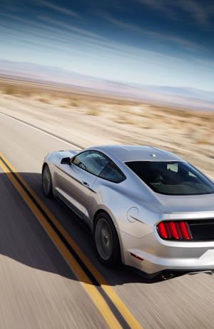 Foto Exteriores (26) Ford Mustang Cupe 2013