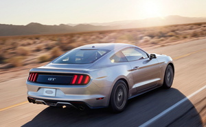 Foto Exteriores (29) Ford Mustang Cupe 2013
