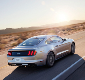 Foto Exteriores (30) Ford Mustang Cupe 2013