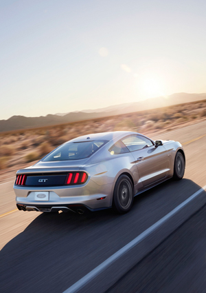 Foto Exteriores (31) Ford Mustang Cupe 2013
