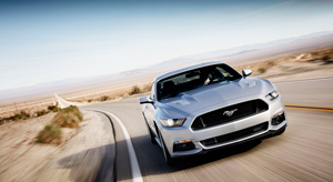 Foto Exteriores (37) Ford Mustang Cupe 2013