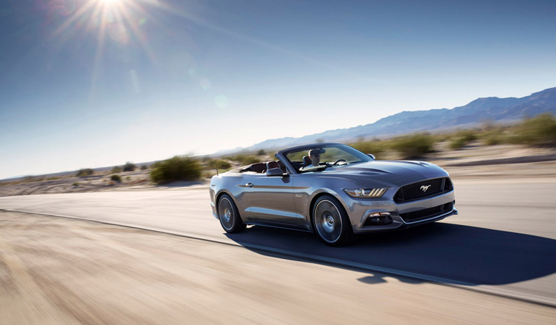 Foto Perfil Ford Mustang Descapotable 2015