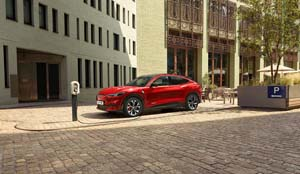 Foto ford mustang-mach-e 2021
