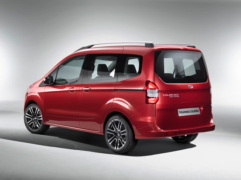 Foto Trasera Ford Tourneo Courier Vehiculo Comercial 2014