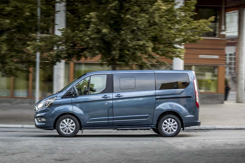 Ford Tourneo Custom plug in, foto lateral