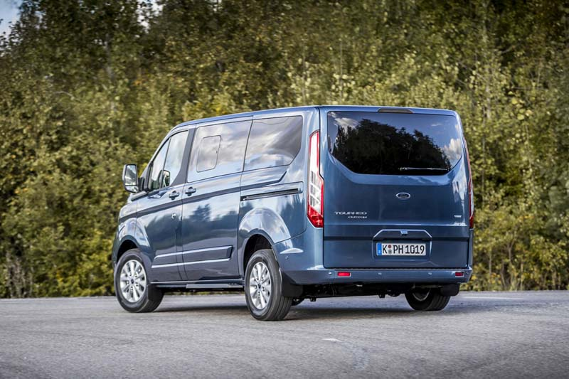 Ford Tourneo Custom plug in, foto trasera