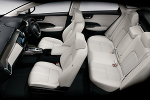 Foto Interiores 1 Honda Clarity-fuel-cell Sedan 2016
