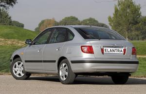 Foto Trasero Hyundai Elantra Sedan 2000