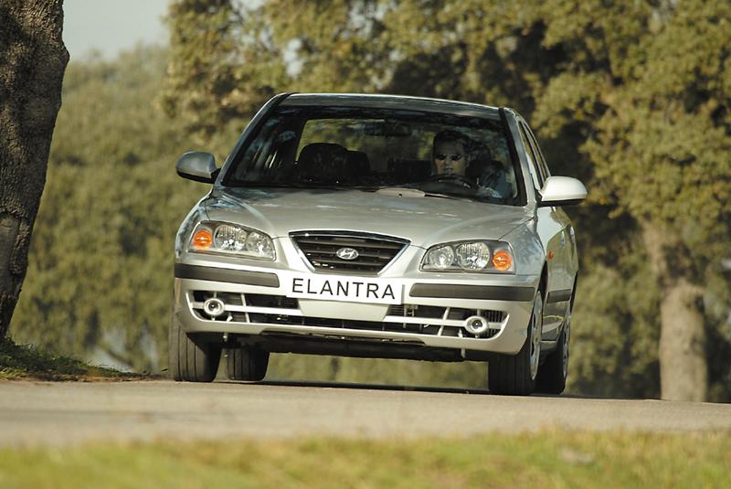 Foto Delantero Hyundai Elantra Sedan 2000