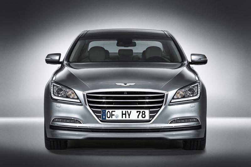 Foto Delantera Hyundai Genesis Berlina 2014