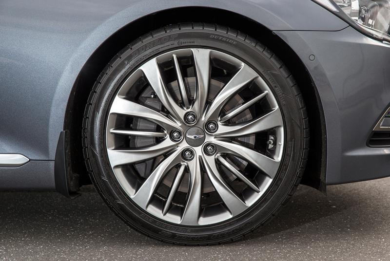 Foto Detalles Hyundai Genesis Berlina 2014