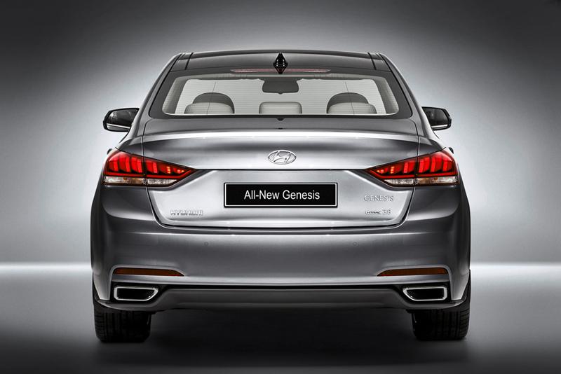 Foto Trasera Hyundai Genesis Berlina 2014