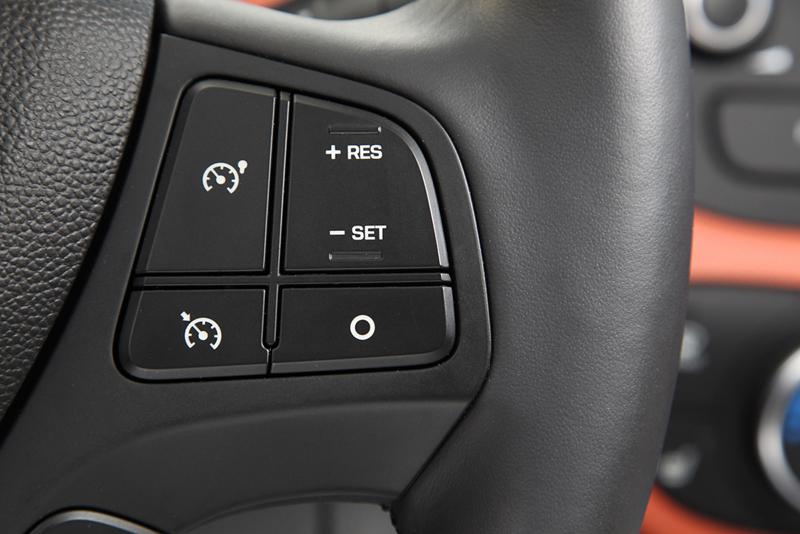 Foto Interiores Hyundai I10 Dos Volumenes 2013