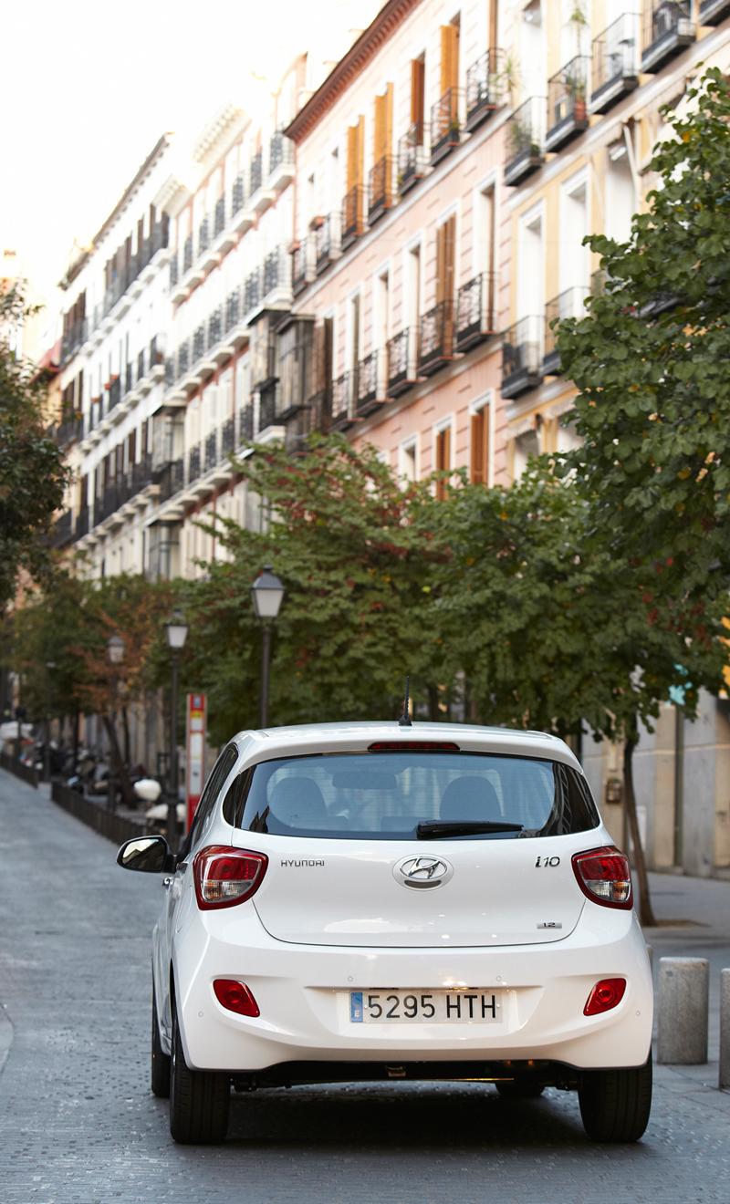 Foto Trasera Hyundai I10 Dos Volumenes 2013