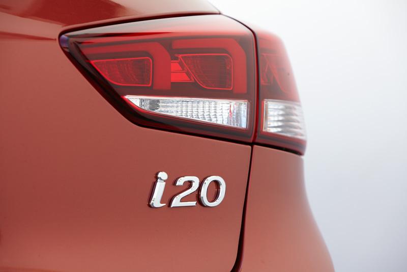 Foto Detalles Hyundai I20 Cupe 2015