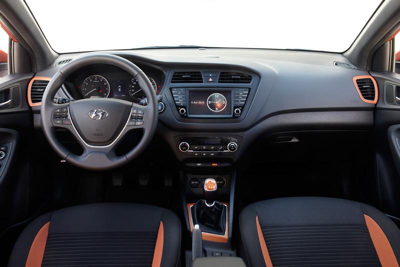 Foto Interiores Hyundai I20 Cupe 2015