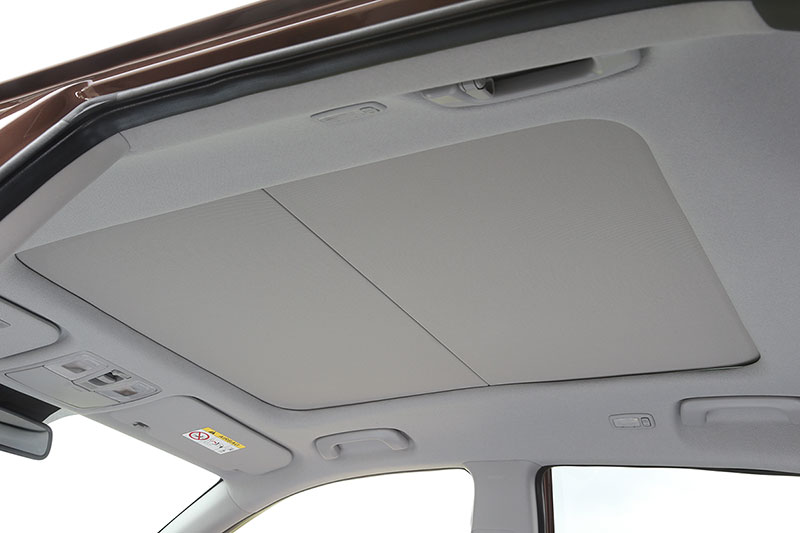 Foto Interiores Hyundai I20 Dos Volumenes 2014
