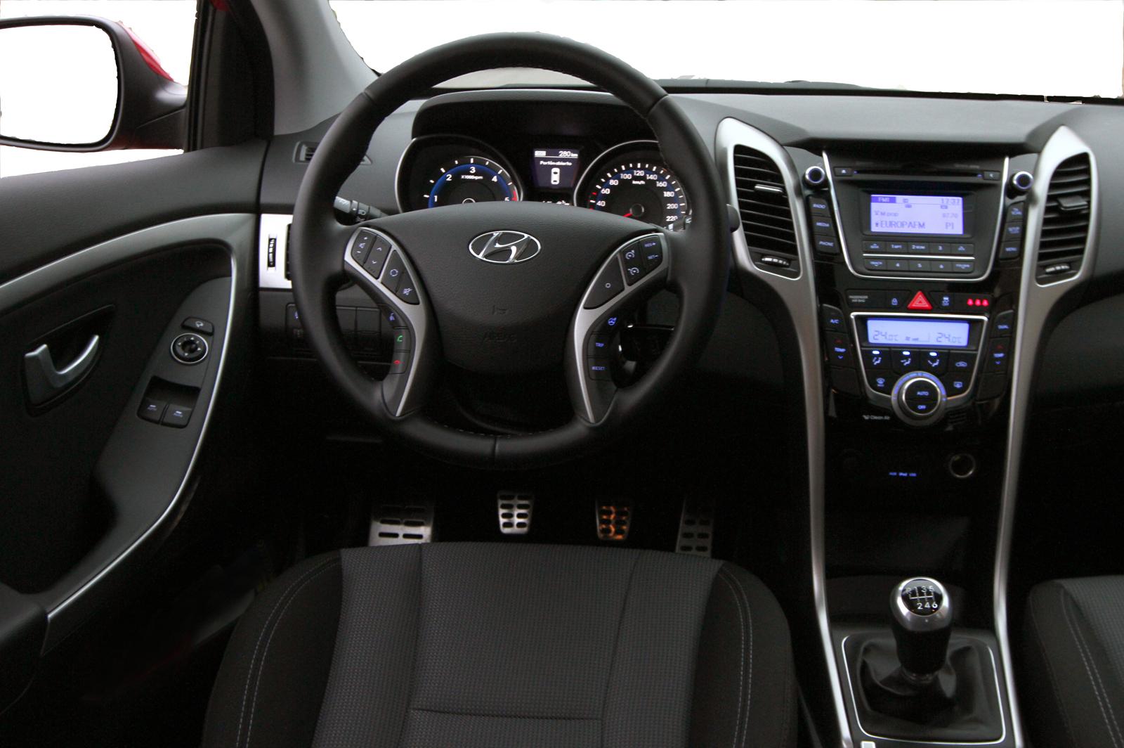 Hyundai i30 2013 inside for Interior hyundai i30